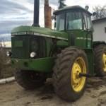 Prodajem traktor John Deere